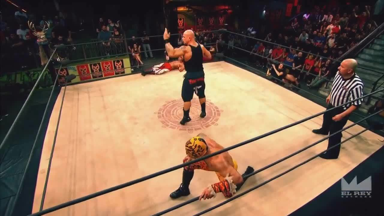 LuchaUnderground, SquaredCircle, Lucha Underground - Hernandez becomes a high-flying luchador! GIFs