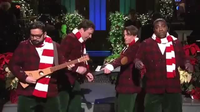 Watch this curated GIF by Media Paradise (@entfanatic) on Gfycat. Discover more christmas, happy holidays, horatio sanz, jimmy fallon, merry christmas, saturday night live, snl, tracy morgan GIFs on Gfycat