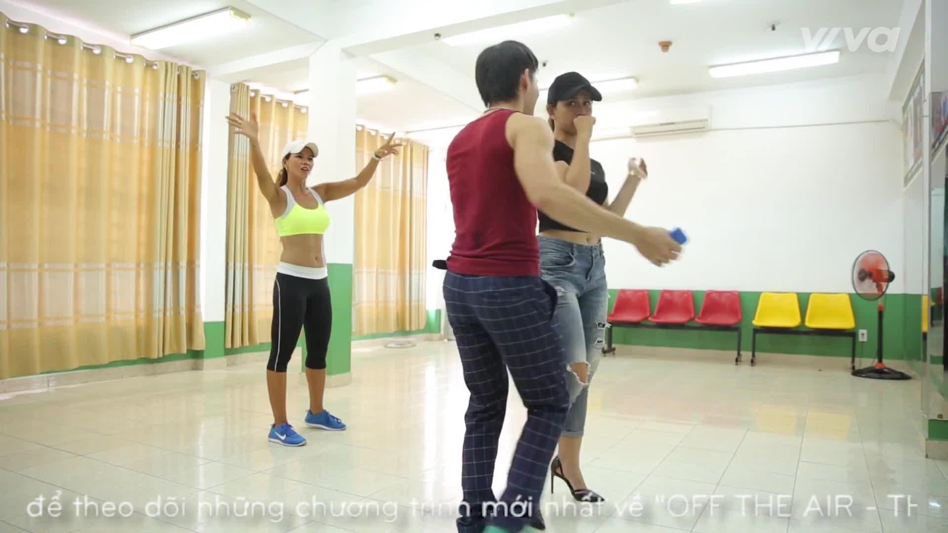 Thần tượng Bolero 2017: Không chỉ rèn giũa giọng hát, Mr. Đàm còn nhờ người tập vũ đạo cho học trò