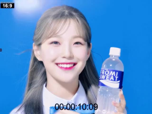 Watch and share Shaytyen(샤이티엔)_10 - #프로미스나인(#fromis_9) #백지헌 GIFs by Syed Nabeel on Gfycat