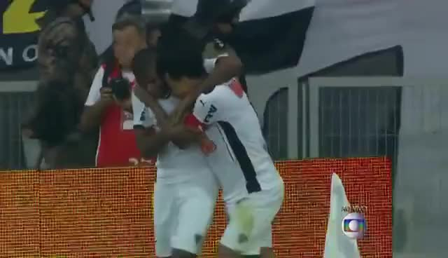 Watch and share Atlético MG 4X1 Corinthians - Copa Do Brasil 2014 Quartas De Final - Corinthians Eliminado GIFs on Gfycat