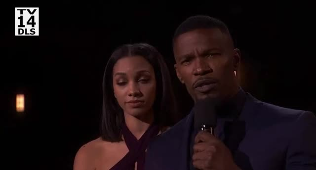 Watch this amas GIF by GIF Reactions (@visualecho) on Gfycat. Discover more AMAs, AMAs2017, American Music Awards 2017, AmericanMusicAwards2017, jamie foxx GIFs on Gfycat