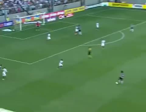 Watch and share Gol De Leonardo Silva - Atlético-MG 3 X 2 Fluminense - 21/10/2012 - 32ª Rodada - Brasileirão 2012 GIFs on Gfycat