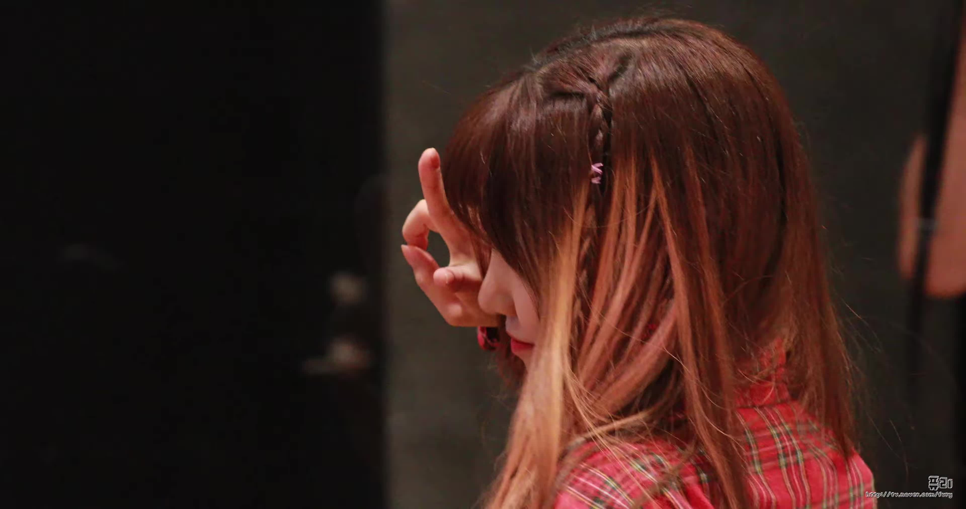 Mnet, RohJisun, blep, fromis, fromis_9, jisun, 盧知宣, 노지선, 아이돌학교, 엠카운트다운, 직캠, 프로미스나인, jisun blep GIFs