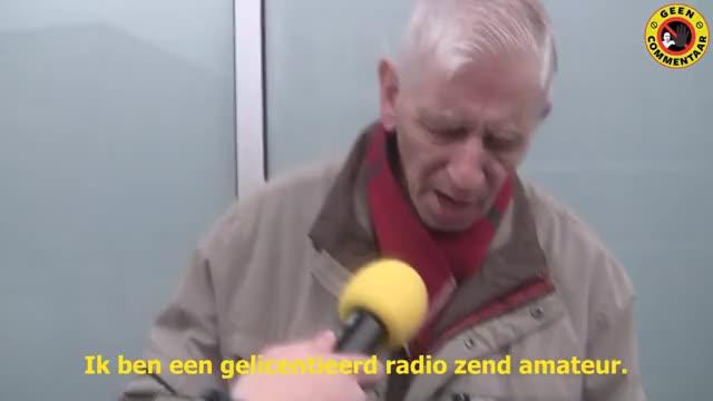 Watch radio zend amateur GIF on Gfycat. Discover more Enschede, RADIO, dennis, geencommentaar, gelicenceerd, hater, kanis, radiozendamateur, zendamateur GIFs on Gfycat