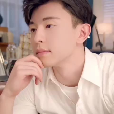 Watch and share Deng Lun GIFs on Gfycat