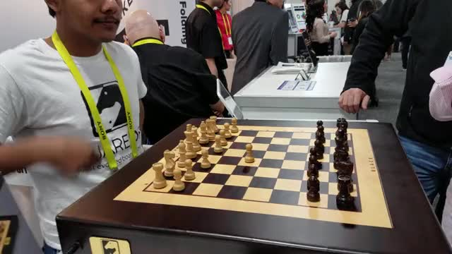 Watch and share Square Off - Smart Chess Board CES 2017Trim GIFs on Gfycat