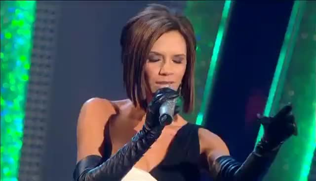 Halliwell, Live, Spice, geri, halliwell, live, music, spice, victoria beckham, Spice Girls - 2 Become 1 (Live From Strictly Come Dancing Finale 2007) GIFs