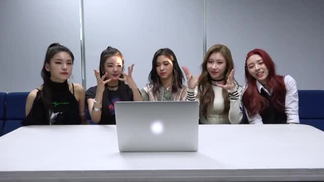 Watch [ITZY? ITZY!] EP4. MV 보고 있지! GIF by @feylord on Gfycat. Discover more ITZY, ITZY Video, ITZY Yeji, ITZY reality, ITZY? ITZY!, celebs, kpop, sana, twice, 있지, 있지 리얼리티, 있지 비하인드, 있지 영상, 있지? 있지! GIFs on Gfycat