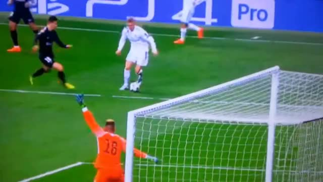 Watch and share Toni Kroos Penalty Dive! Real Madrid Vs PSG 14/2/18 GIFs on Gfycat