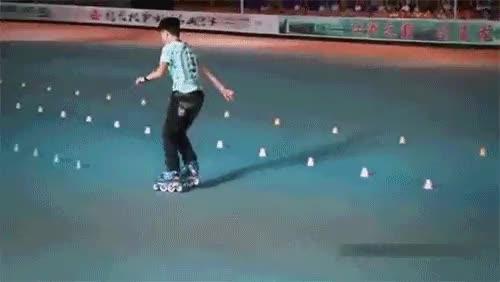 Rollerblading like a boss : gifs GIFs