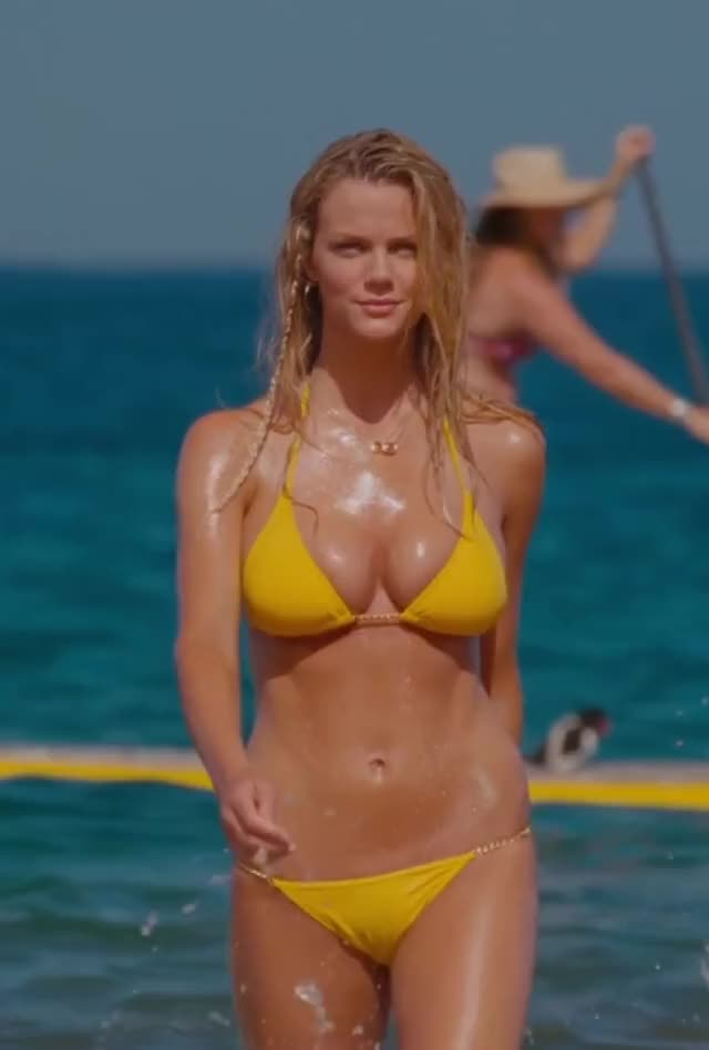 Watch and share Brooklyn Decker GIFs on Gfycat
