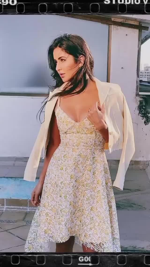 katrina's Sexy Cleavage