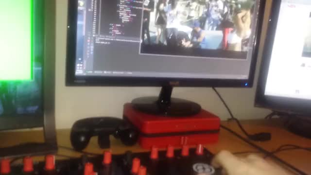 Watch and share Midi Controller GIFs by yorgyetson on Gfycat