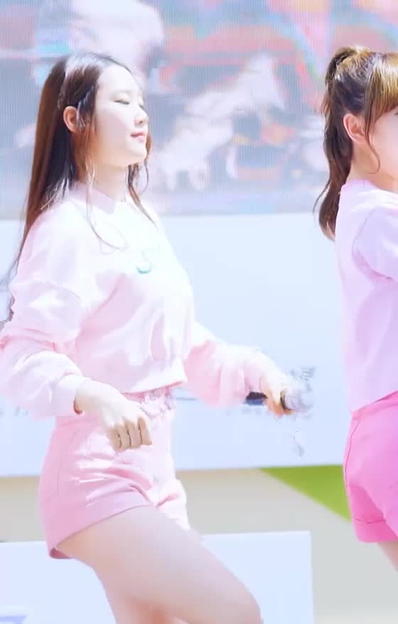 Watch and share 오마이걸(OhMyGirl) 지호2 GIFs by koreaactor on Gfycat