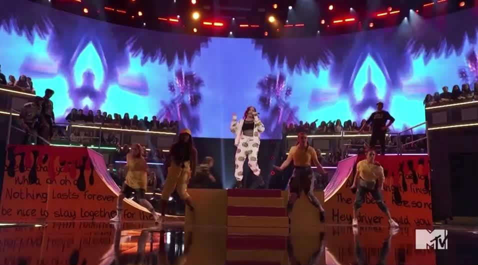MTV Awards, MTVAwards, MTVAwards2017, Noah Cyrus, dance, Noah Cyrus Sway GIFs