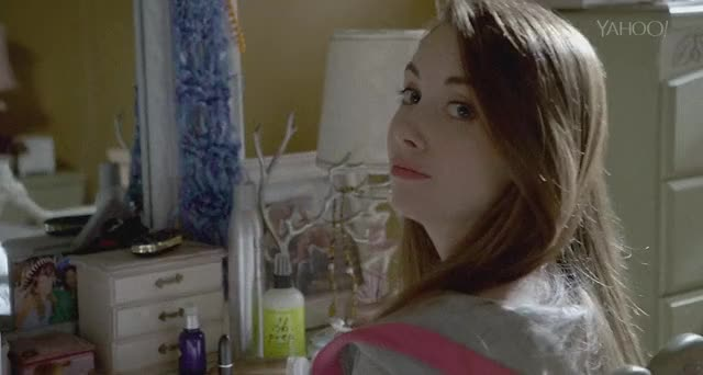 Watch and share Alisonbrie GIFs by gla3dr on Gfycat