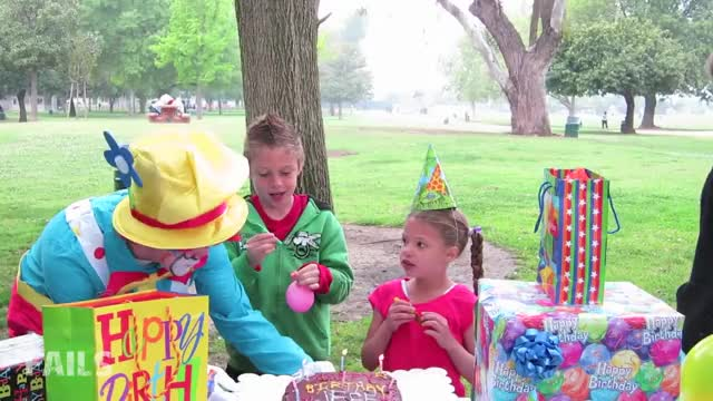 Birthday Clown Fail Birthday, clown, fail, Clumsy, Clown, Ruins, Cake, Fails, fail videos, funny videos, ruins, kids, bday, party, cake GIF