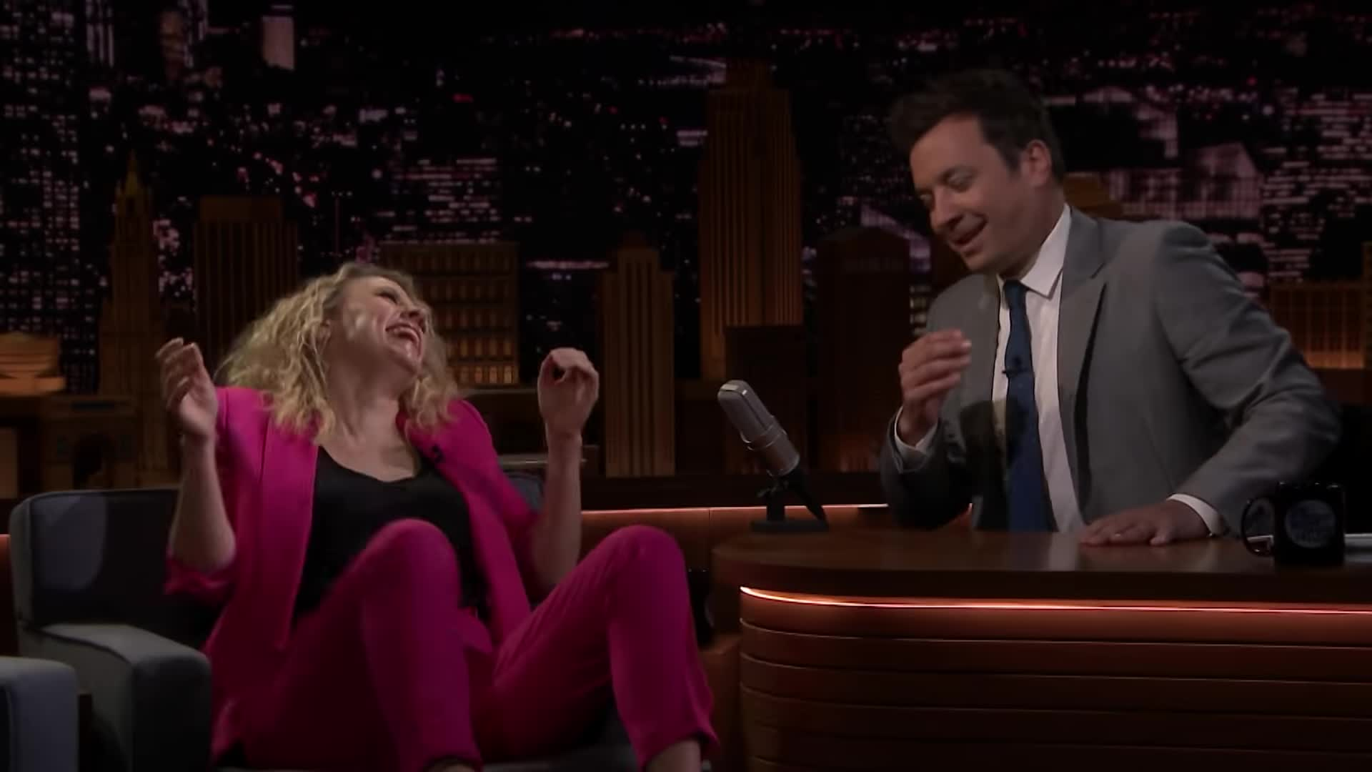 Funny, I'm dying, Jimmy Fallon, Kate McKinnon, Kate McKinnon Laughing, Slow Turn, The Tonight Show, Tiny Nod, girls in suits, guffaw, knee-slapper, ladies in suits, ladiesinsuits, women in suits, Kate McKinnon cracking up in hot pink suit GIFs