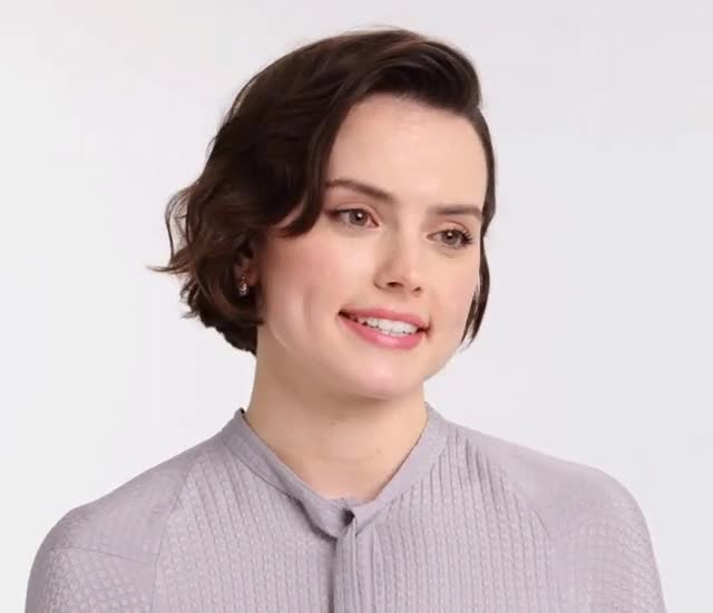 Watch and share Daisy Ridley GIFs by shapesus on Gfycat