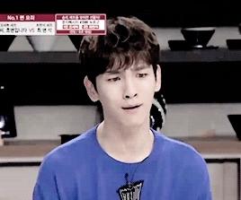 food, gif, i want, key, kim kibum, shinee, that seriously looks so good,  We Touching We Loving  GIFs