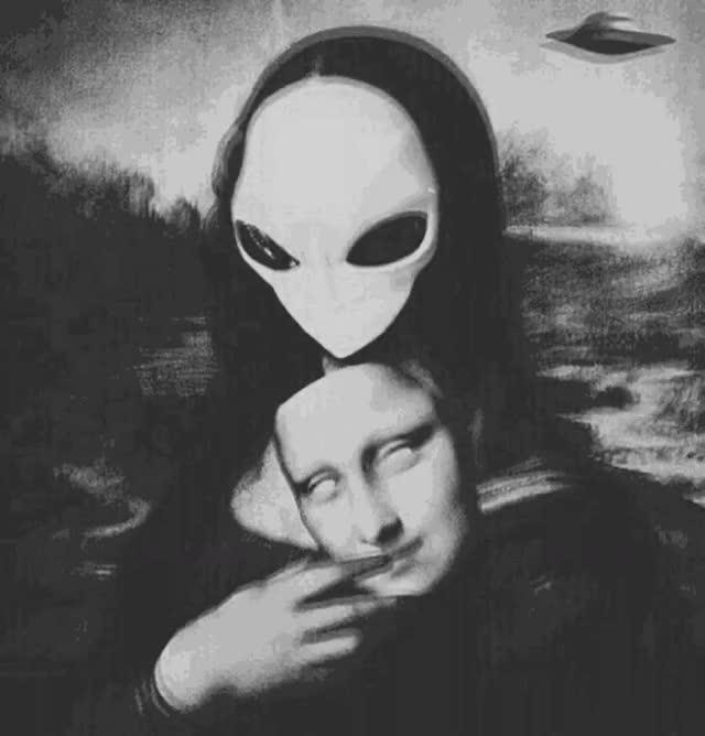 Watch and share Alien Mona Lisa Gif Https://m.facebook.com/gifsforu/ #gifs4u GIFs on Gfycat