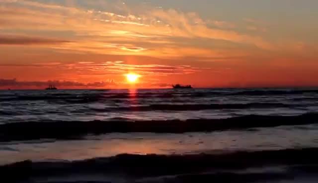 Watch and share Красивый Закат И Морские Волны   Relaxing Music Sunset GIFs on Gfycat