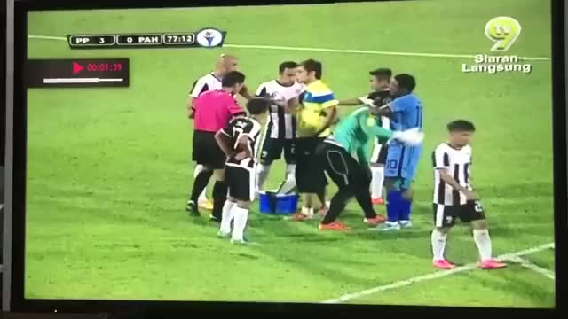 Faiz Subri Amazing Freekick Goal v Pahang FC