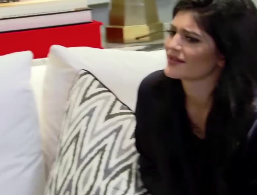 Kendall Jenner, wtf, KUWTK | Does Kylie Jenner Know How to Do Laundry? | E! GIFs