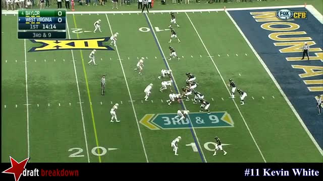 Watch and share Kevin White Hop Off LOS, Off Coverage GIFs by lifesyourcup on Gfycat