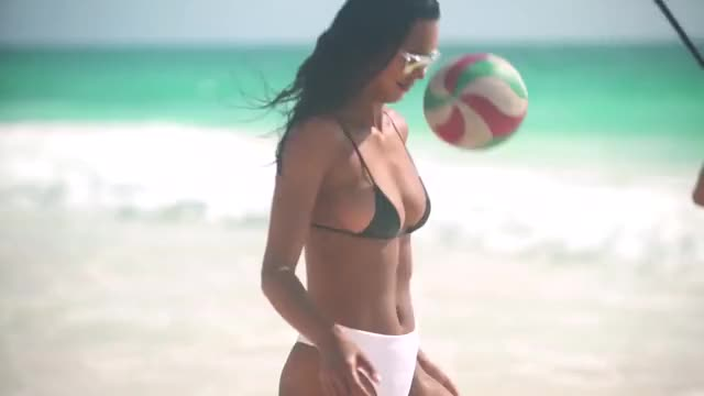 Watch and share Sports Illustrated Swimsuit GIFs and Lais Ribeiro GIFs by badababa on Gfycat