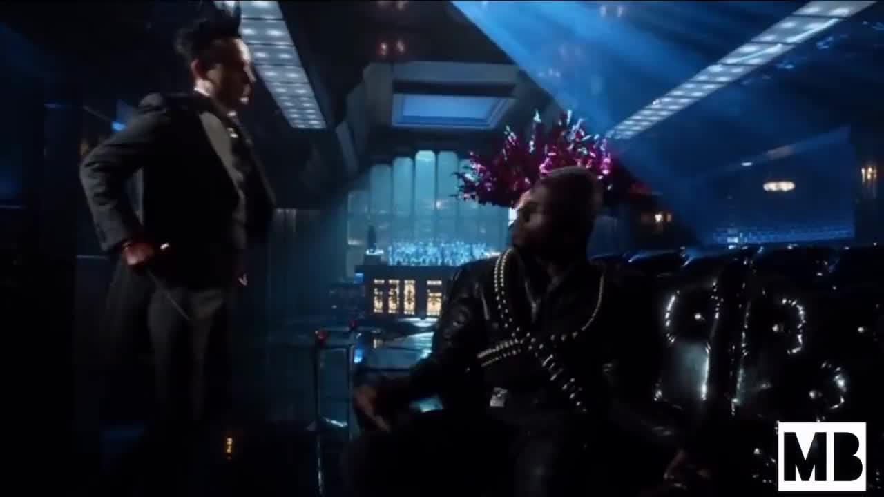 All Tags, Gotham, Oswald, S4, cobblepot, e7, failling, headhunter, him, kills, penguin, stabs, Gotham - Penguin stabs Headhunter GIFs