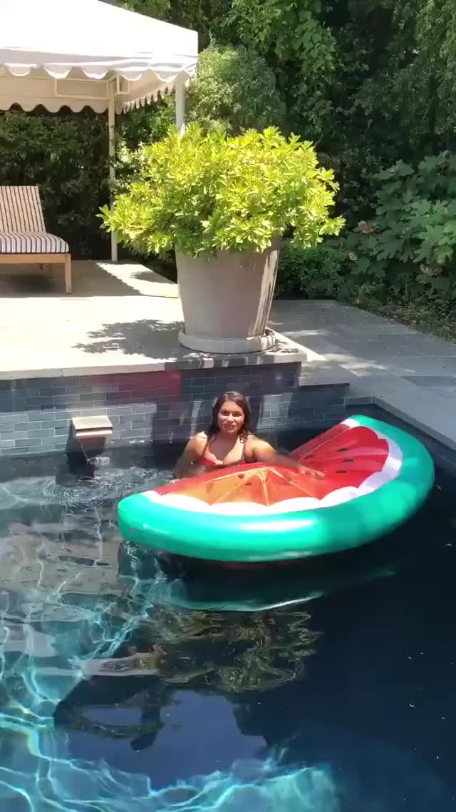 Watch and share Mindy Kaling July 4th GIFs on Gfycat