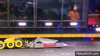 Bronco vs. Stinger - BattleBots GIFs