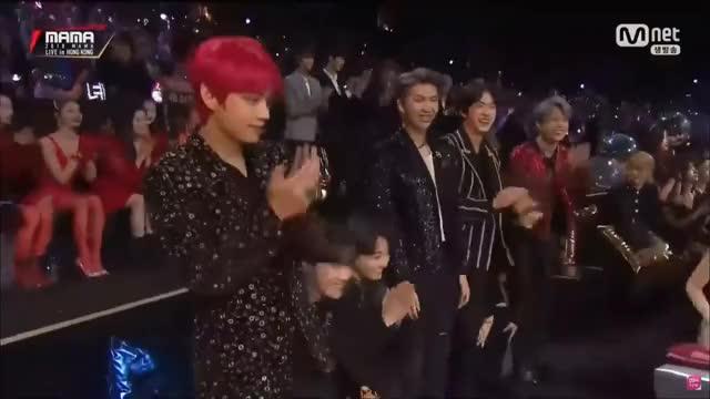 Watch BTS Win Mwave Global Choice @ BTS MAMA 2018 in HongKong GIF on Gfycat. Discover more 2018, awards, bts, daesang, mama, win GIFs on Gfycat