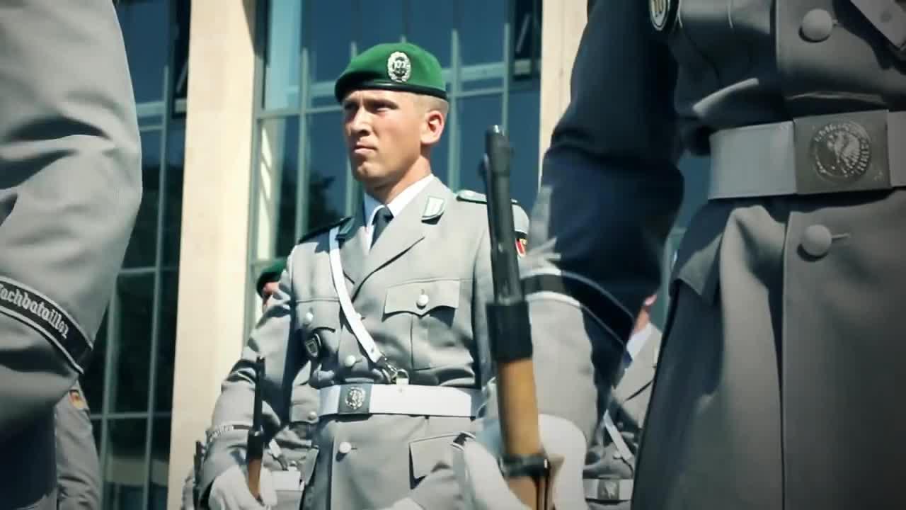 Bundeswehr, Drill-Team, Formaldienst, Karriere, News & Politics, Protokollsoldat, Wachbataillon, Wir.Dienen.Deutschland., WirdienenDeutschland, Bis zur Perfektion GIFs