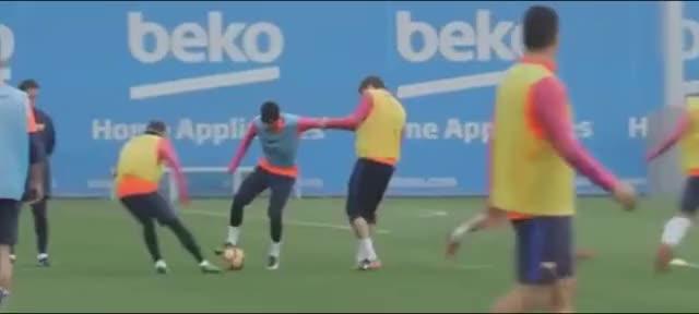 Watch and share Neymar Vs Gerard Piqué GIFs by Эстетика Футбола on Gfycat