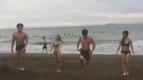 Following the friends - gif