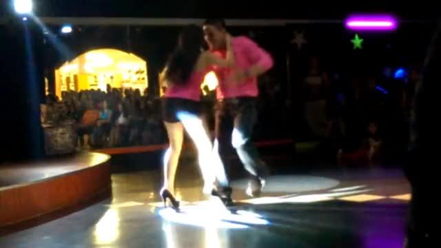 Watch and share Chica Sexy Bailando Cumbia Sonidera GIFs on Gfycat