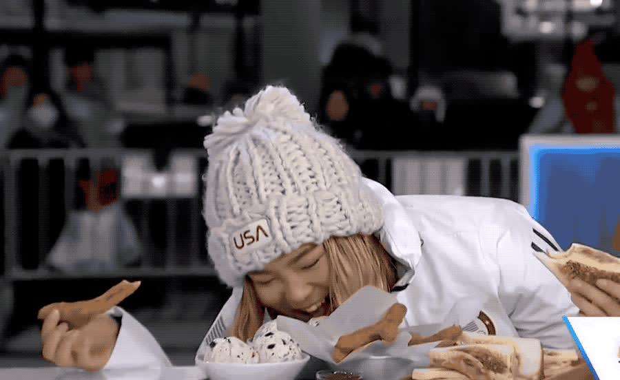 chloe, churros, dinner, eat, eating, funny, gold, happy, hungry, kim, laugh, lol, loud, lunch, medal, olympics, out, snowboard, winner, winter, Chloe Kim eats churros GIFs