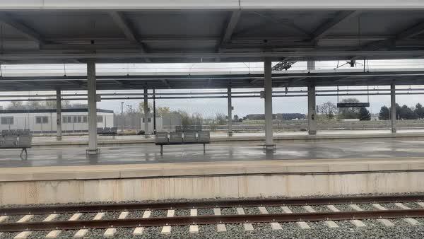 Watch and share Estación De Albacete El 20 De Marzo De 2020, Durante La Cuarentena Por Coronavirus GIFs by periodismoactual.com on Gfycat