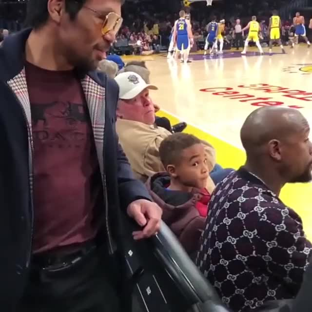Watch Even two of the best boxers in the world can share an awkward handshake. GIF by PM_ME_STEAM_K3YS (@pmmesteamk3ys) on Gfycat. Discover more celebs, floyd mayweather jr GIFs on Gfycat