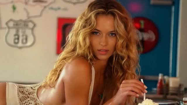 Watch and share Hannah Ferguson GIFs by shapesus on Gfycat