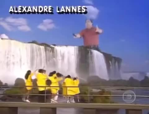 Watch and share [Source] Faustão Gigante GIFs on Gfycat