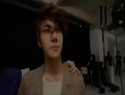 Watch Kpop GIF on Gfycat. Discover more luhan GIFs on Gfycat