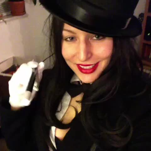 Watch and share ✨💫spells, Hocus Pocus! #iamfabulous #relatable  DCComics #zatanna #ILoveDCComics #cosplay #impression #bestcostumeever GIFs by @ShadowsOfBeauty on Gfycat