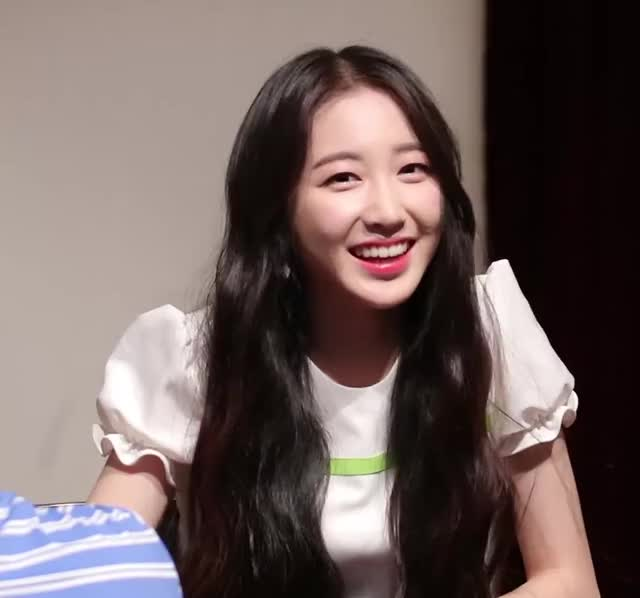 Watch and share Yukyung GIFs and Elris GIFs by ool86 on Gfycat