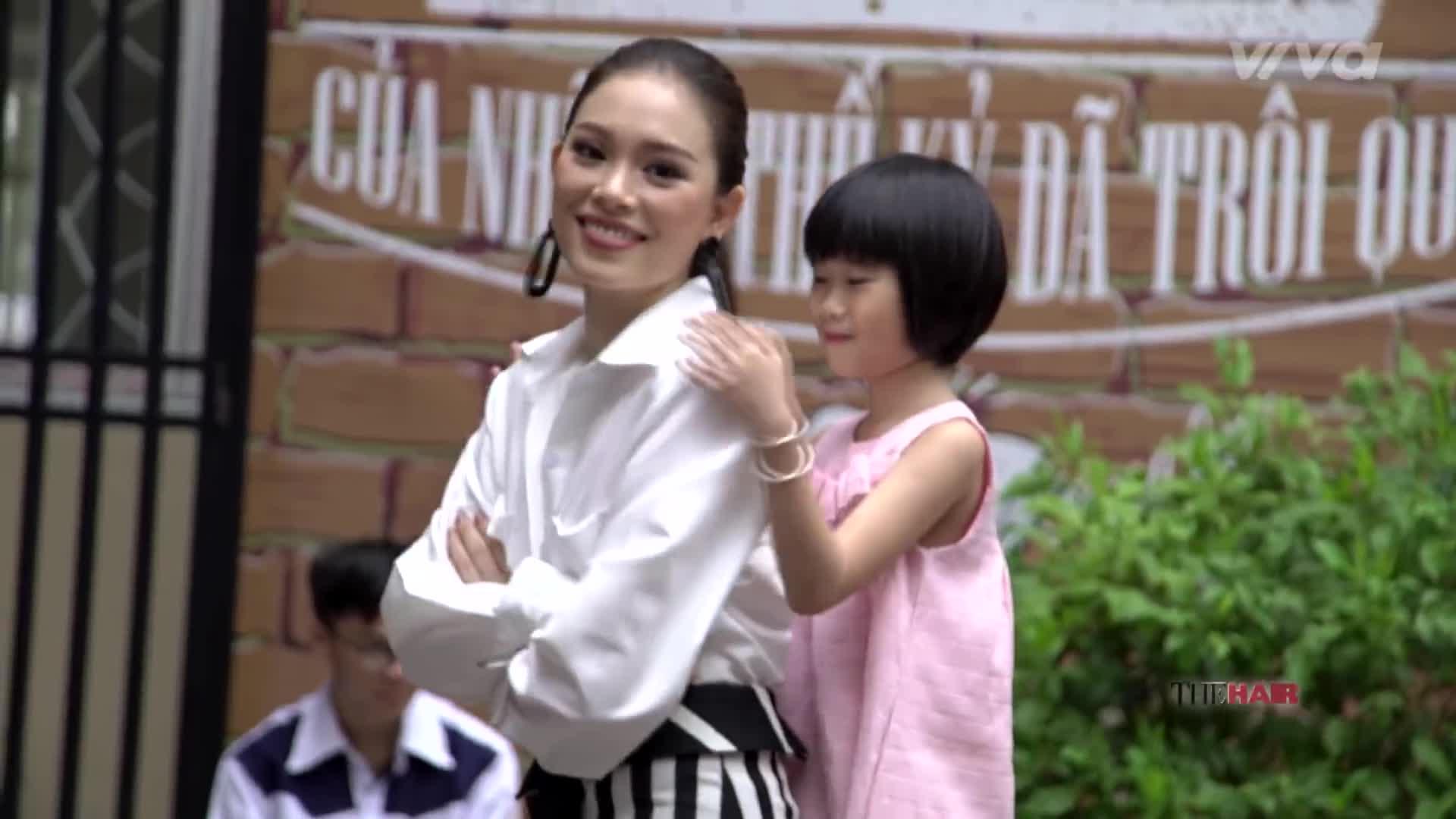 Linh Rin Bản sao một chín, một mười của Phạm Hương tại The Look