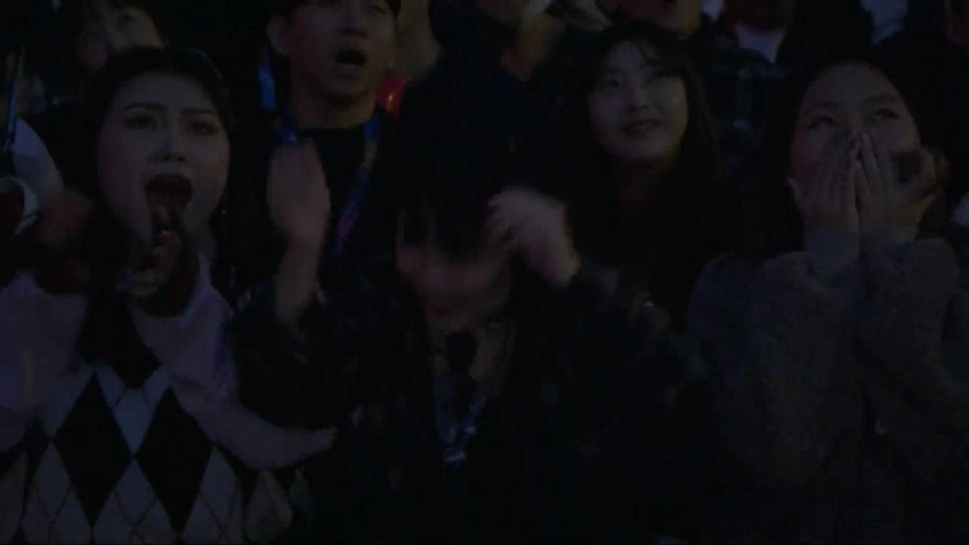 Riot Games, funny, girl, hype, lol, worlds, Worlds 2018 - Front Row Hype Girl GIFs