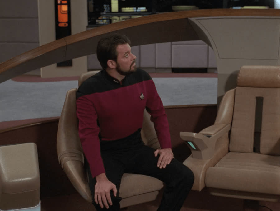 Jonathan Frakes, Riker, Star Trek, Star Trek The Next Generation, TNG, The Next Generation, bloopers, That one friend on a night out that's very sober one minute and very drunk the next GIFs
